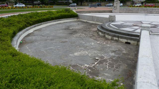bassin-du-monument-aux-morts-1