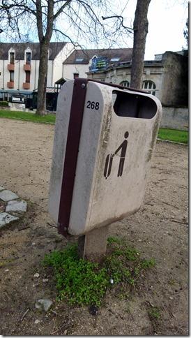 poubelles-en-attente-de-mise-a-jour-02-2014