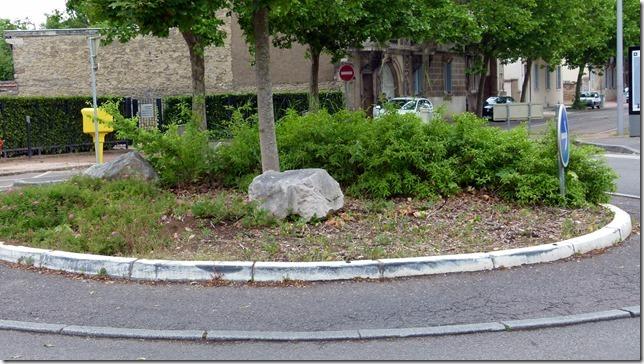 rond-point-64-rue-de-longvic-0
