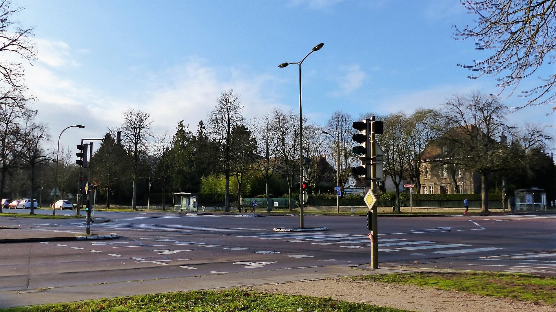 Photo angle Cours du Parc