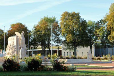 Piscine et Monument aux morts 10 2019 (2)