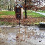 Boite à livres Parc La Colombière flaque d'eau 12 2019 (2)